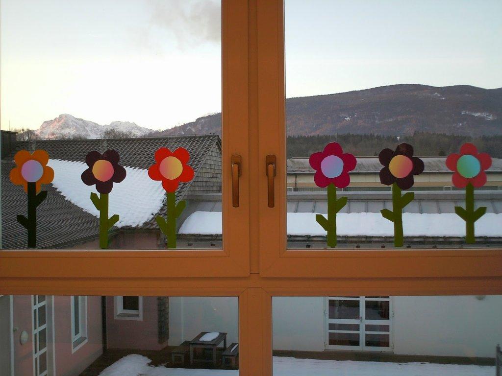 Bastelvorlagen fr hlingsblumen fensterdeko ideenreise blog - Fensterdeko klassenzimmer ...